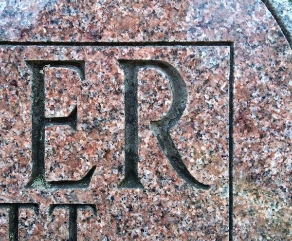 FAH Modified Roman font alternate 'R'